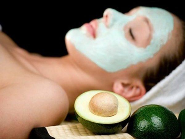 Bật mí cách làm đẹp da mặt với bơ đơn giản và hiệu quả