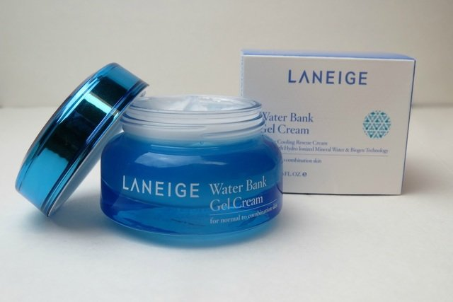 Laneige-Water-Bank-Gel-Cream-Kem-duong-da-ban-ngay-tot-nhat