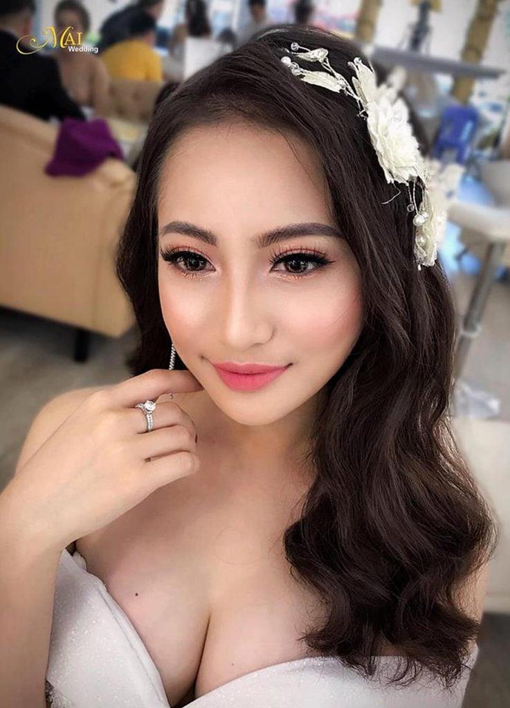 Trang-diem-co-dau-kieu-Thai-la-su-ket-hop-giua-kieu-Han-va-kieu-Tay