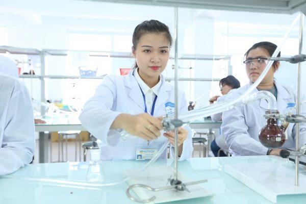 Chọn trường tuyển sinh Cao đẳng Dược TPHCM năm 2021 chất lượng cao